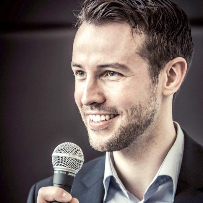 Eventmoderator Philipp Pägler